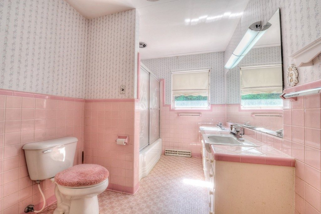 Wallpaper Styles You Can Try In Your Bathroom Walls The Mix Seattle