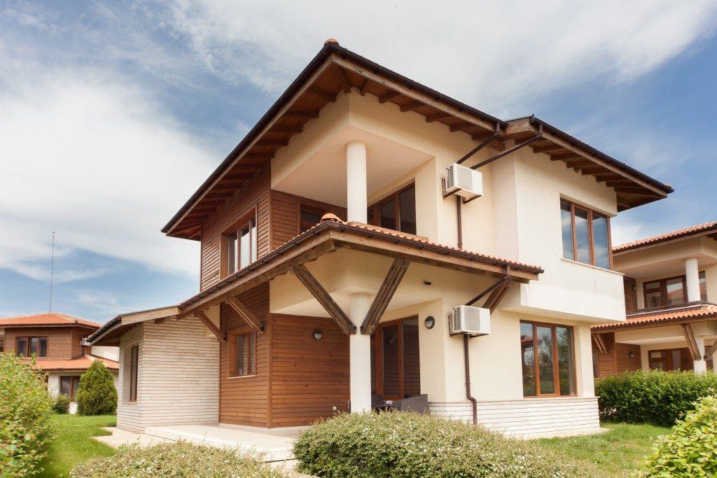 New suburban house in neighborhood