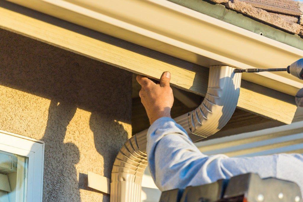 Installing a gutter system