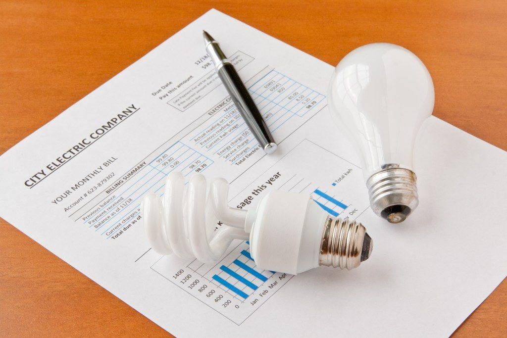 energy bill with lightbulbs