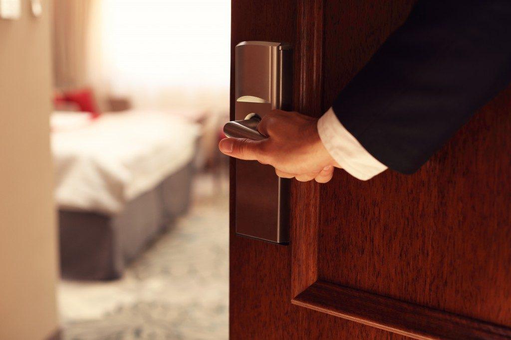 opening hotel door, accommodation