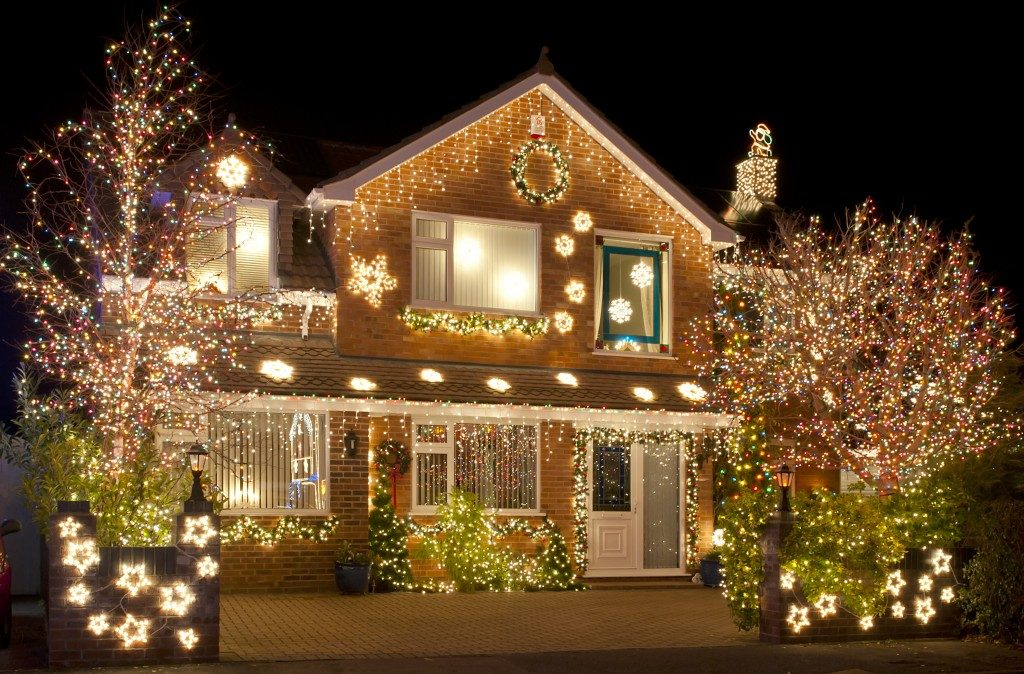 decorating a house