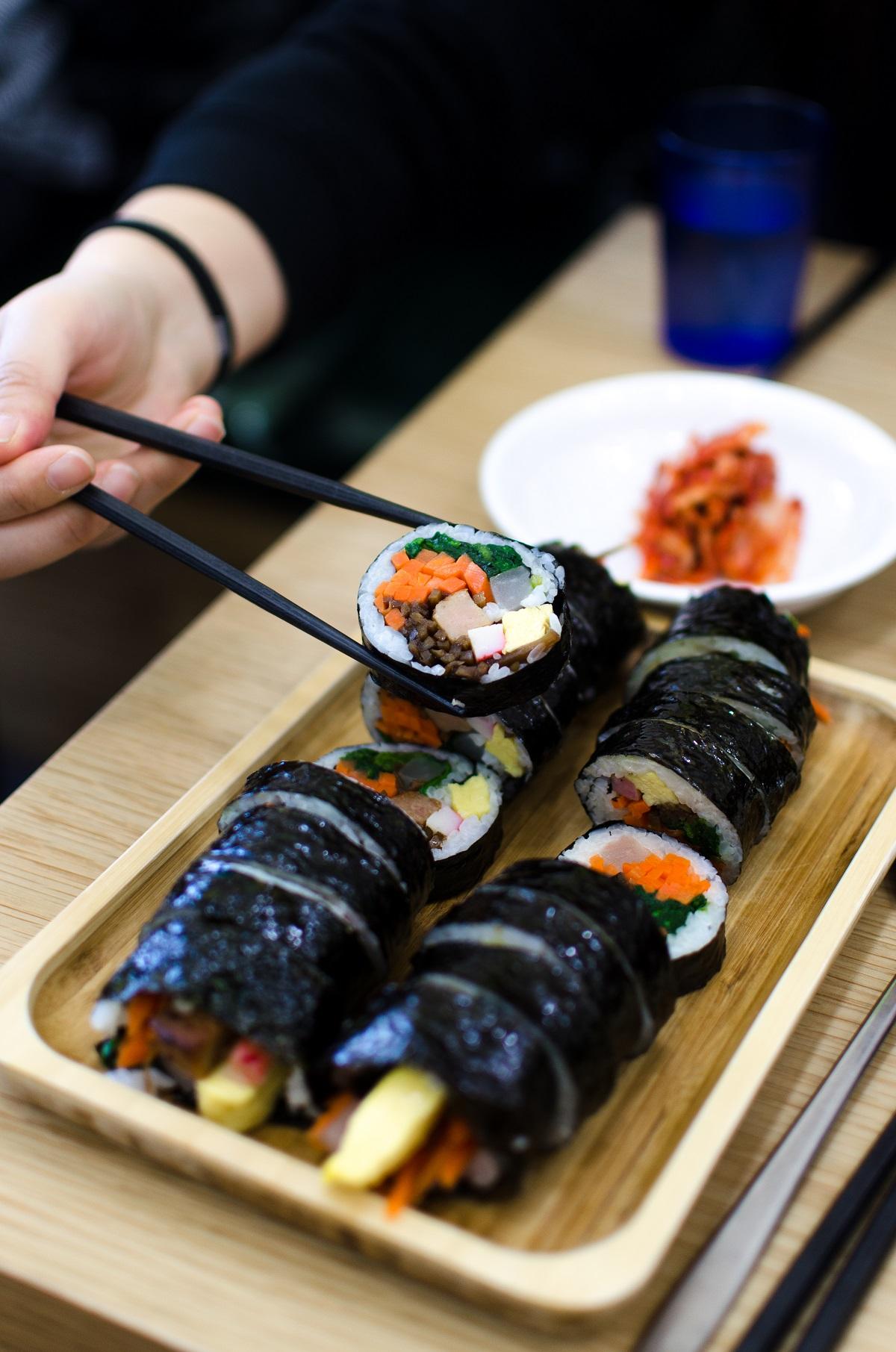 Korean food kimbap
